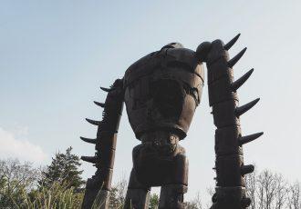 三鷹の森美術館にある天空の城ラピュタの巨神兵像