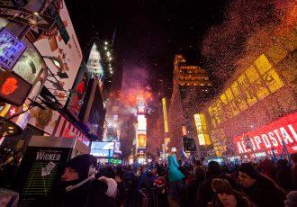 ニューヨークのタイムズスクエアでのカウントダウン