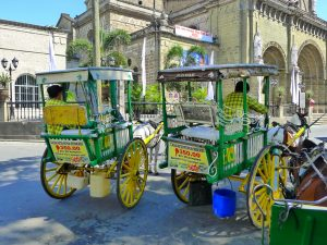 フィリピンの観光馬車カレッサ