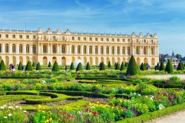 exterior of the Palace of Versailles in paris