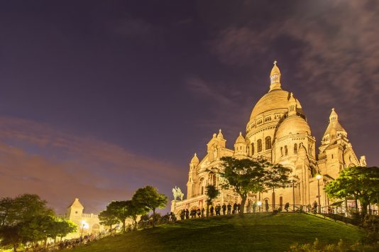 night view of Basilique du Sacré-Cœur in paris