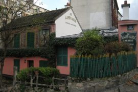 exterior of Au Lapin Agile, paris