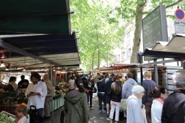 Marche Raspail in Paris
