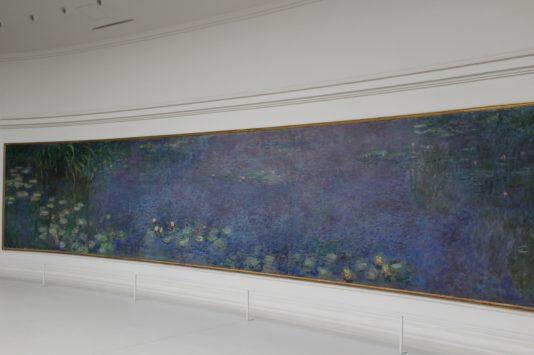 オランジュリー美術館の睡蓮の間