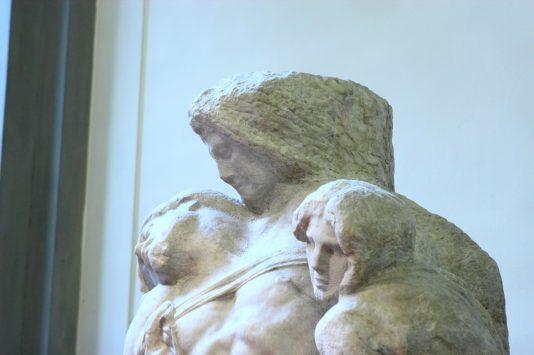 アカデミア美術館のピエタ像