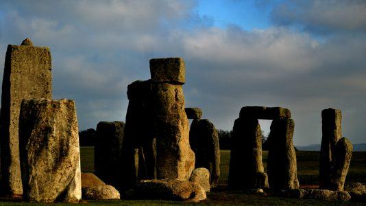 Stonehenge_ruins