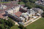 around-buckingham-palace