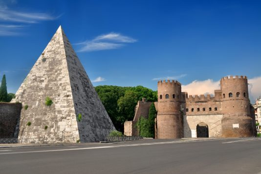 Piramide Cestia in Rome