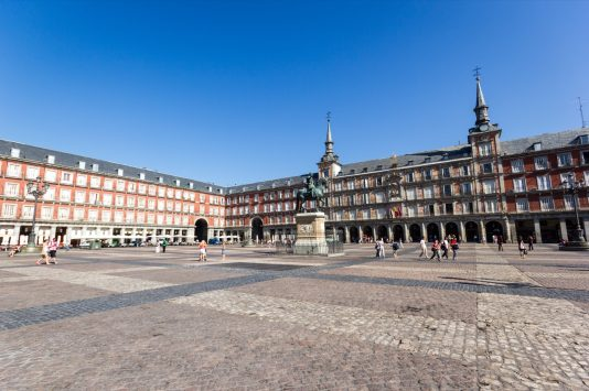 around-plaza-mayor