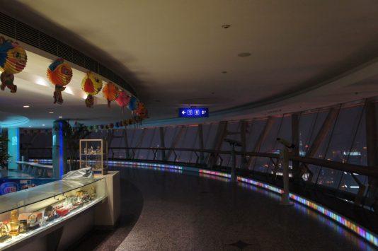 東方明珠電視塔の展望台