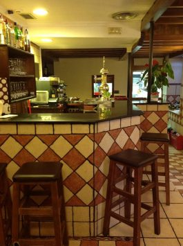 La Parrala Paella Resto Bar