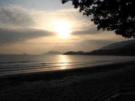 貝澳(プイオー)に沈む夕日