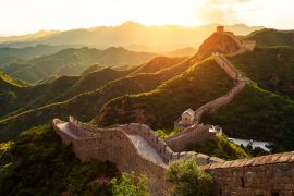 万里の長城の夕暮れ時の景色