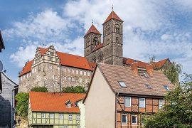 クヴェートリンブルクの聖堂参事会教会、城と旧市街