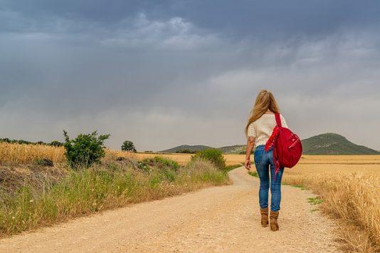 女性の一人旅
