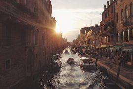 slick_venezia_alone