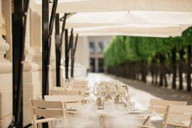 restaurant-du-palais-royalのテラス席の様子