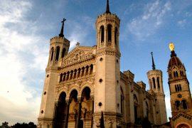 フルヴィエールの丘 に建つ大聖堂