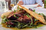 オーストラリアでよく目にするアンガス牛料理
