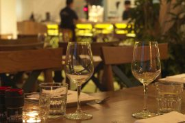 ベトナムホーチミンCafé-Restaurant Ho Chi Minh City の店内