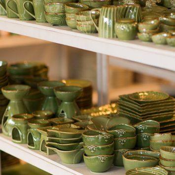 ジェンガラ ケラミックの陶磁器