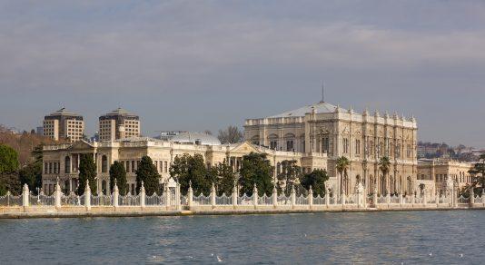 ドルマバフチェ宮殿の外観