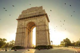 インド門と朝日