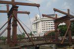 モダンな雰囲気が漂う跳ね橋が、チキンマーケットブリッジ