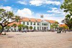 ファタヒラ広場のジャカルタ歴史博物館の外観