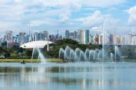 サンパウロのイビラプエラ公園の噴水