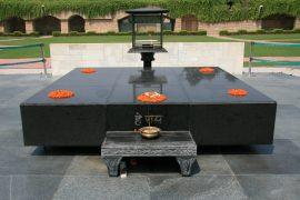 ガンジーの慰霊碑であるラージ ガート