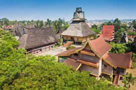 広大な敷地なタマン ミニ インドネシア インダー