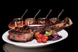 シンガポールWooloomoolooo Steakhouseの店内