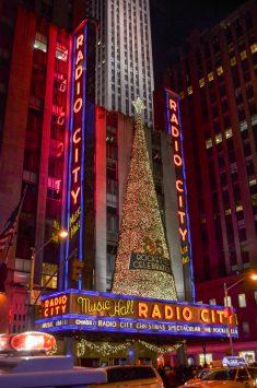 ラジオシティ ミュージックホールのクリスマス仕様