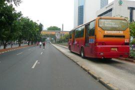 トランスジャカルタの走行中の風景