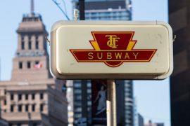 トロントの地下鉄の標識