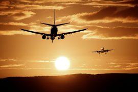 マイルを貯めて飛行機に乗る